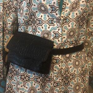A super chic waist bag by Rebecca Minkoff 😍